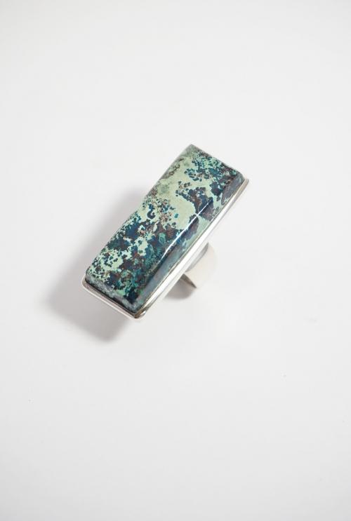anillo piedra azul rectangular