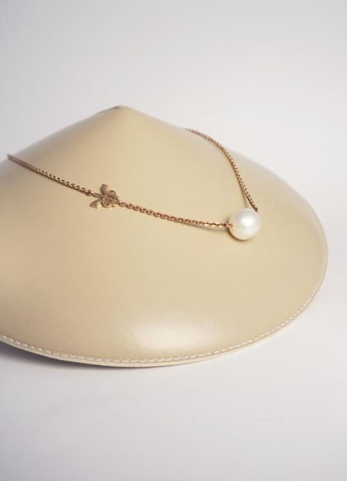 colgante perla blanca