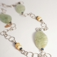 collar largo con piedras verdes