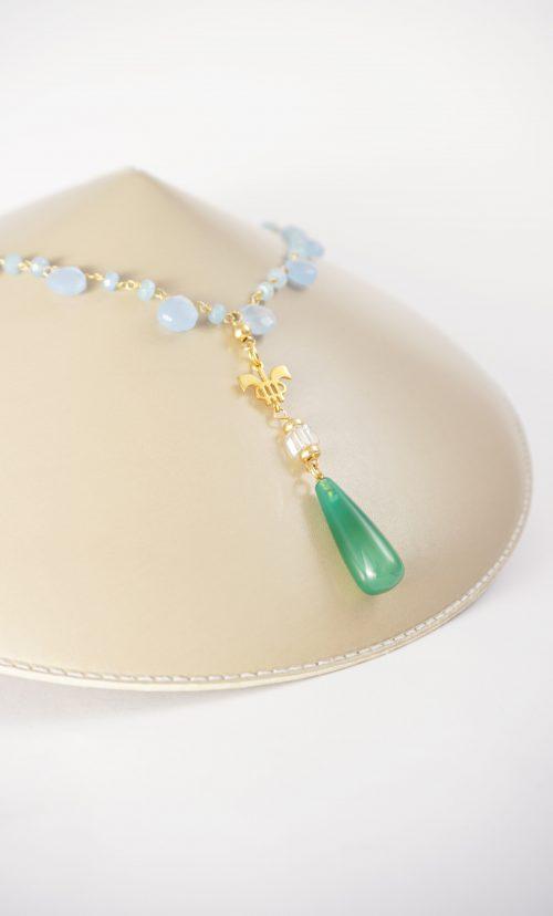collar azul y verde