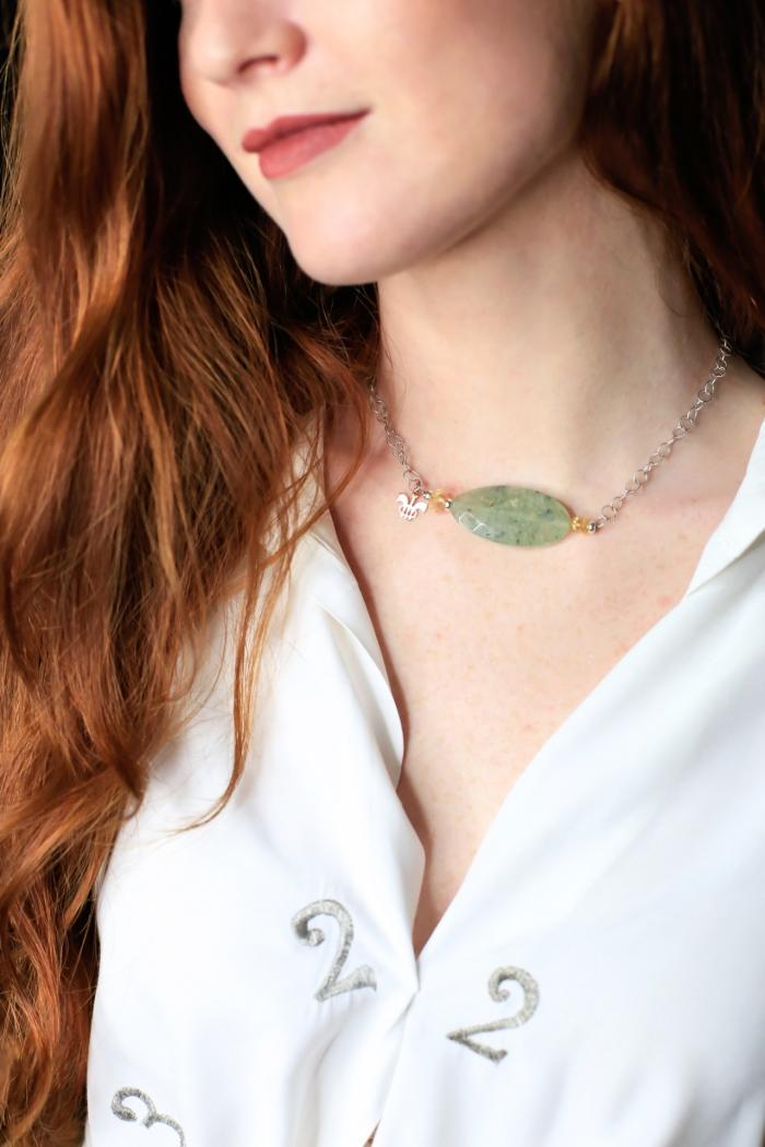 collar plata y piedra verde