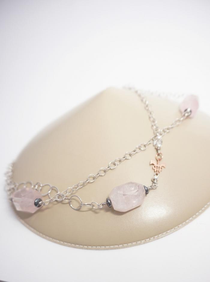 collar largo plata y piedra rosa