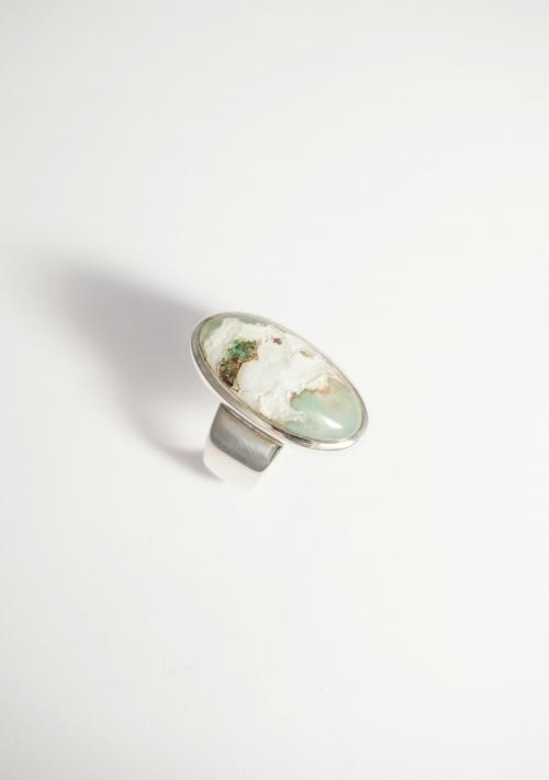 anillo piedra verde
