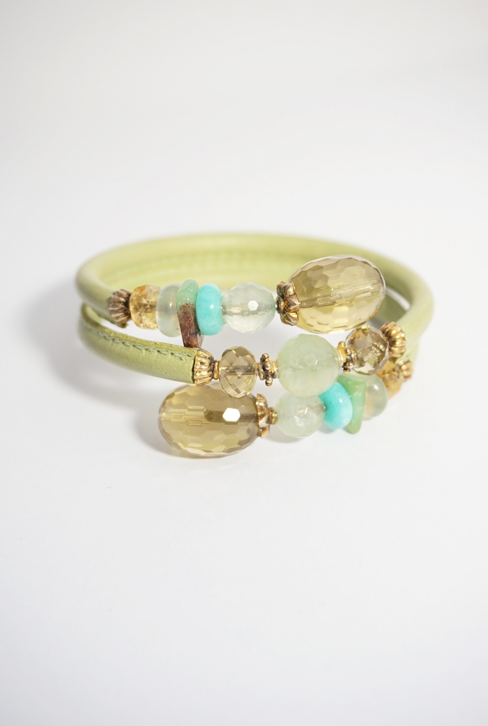 pulsera cuero verde y piedras naturales