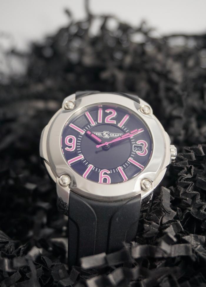 reloj acero y correa caucho negro