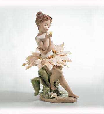 secretos del bosque de lladró es una figura de una niña flor como hada
